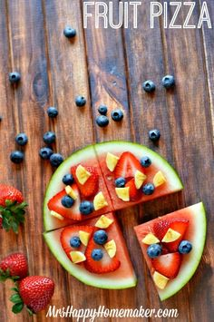 Fruit Pizza by Mrs. Happy Homemaker PLUS 7 other Crafts and Treats for Kids!