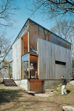 WOOD DESIGN BLOG || RESIDENTIAL HOMES || Beautiful uses of Wood as a Primary feature in Contemporary Architecture. #wood #design #contemporary #architecture