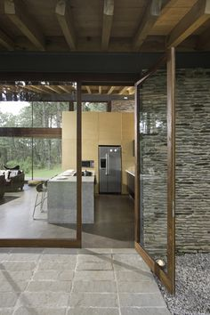 Designed by Elías Rizo Arquitectos, Casa RO Tapalpa is situated in a forested area near the town of Tapalpa. The project consists of a country house to be use on the weekends, so the program remains basic. Exterior Design, Interior And Exterior, La Croix Valmer, Architecture Design, Casas Containers, Country House Design, Weekend House, My Dream Home, Future House