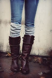 leg warners and boots...never thought I would like this, but it's totally cute!