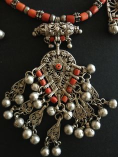 Yemen | Silver and red coral necklace detail. | © Jose M Pery.