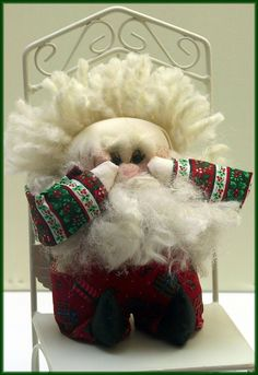 "DIY Linda Walsh Originals Dolls and Crafts Blog: Oh, My! It's So Late, Santa!"" - Free Santa Doll E-Pattern and template."