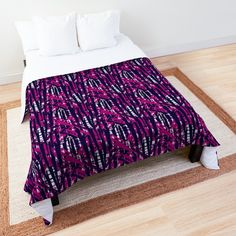 'Jackie O on the skids.' Comforter by Arrowsmith Design College Dorm Rooms, Square Quilt, Twin Xl, Quilt Patterns, Comforters, Pillows, Printed, Bedroom, Awesome