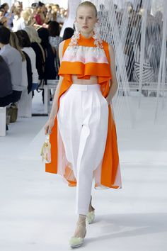 Delpozo Spring 2017 Ready-to-Wear Fashion Show - Leah Rodl