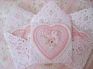 Shabby Roses Valentine Heart cards - love the lace doily envelopes Roses Valentine, Love Valentines, Valentine Heart, Valentine Day Cards, Valentine Crafts, Pretty Cards, Love Cards, Wedding Card Templates, Wedding Cards