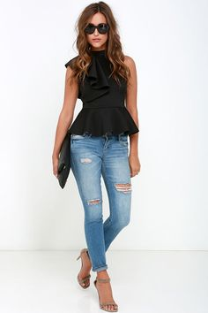 It's incredible how unforgettable you will be in the Forever More Black Peplum Top! Poly-spandex, medium weight knit forms a sleeveless peplum top with ruffle. Outfits 2016, Mode Outfits, Fashion Outfits, Womens Fashion, Fashion Trends, Casual Summer Outfits, Spring Outfits, Peplum Top Outfits, Peplum Tops