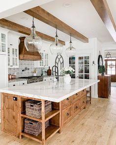 Modern Farmhouse Decor, Farmhouse Kitchen Decor, Kitchen Redo, Home Decor Kitchen, Kitchen Interior, New Kitchen, Home Kitchens, Kitchen Remodel, Farmhouse Homes