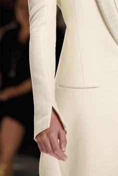 Calvin Klein S/S 2012 Look Fashion, Fashion Details, Hijab Fashion, Fashion Show, Fashion Dresses, Womens Fashion, Fashion Design, Fashion Trends, Sleeves Designs For Dresses