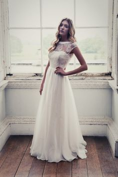Johanna Hehir wedding dress. Need help with any aspects of wedding planning or styling? visit www.rosetintmywedding.co.uk #weddingdress