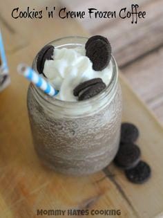 Cookies 'n' Cream Frozen Coffee I Mommy Hates Cooking #sponsored #IcedDelight