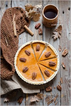 Torta di semolino al cocco, sesamo e tahina – Panelibrienuvole Pastry Recipes, Pie Recipes, Pie Co, Sweet Pie, Pie Dessert, Vegan Cake, Tahini, Pumpkin Recipes, Food Design