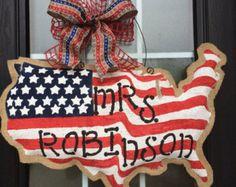 Burlap USA Map American Flag, Personalized USA Shape Door Hanger, American History Decoration, Patriotic Burlap Door Hanger