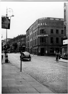 View west towards Lord Edward Street junction with Parliament Street. Dublin Street, Dublin City, Old Pictures, Old Photos, Gone Days, Military History, Ireland, Places To Visit, Castle
