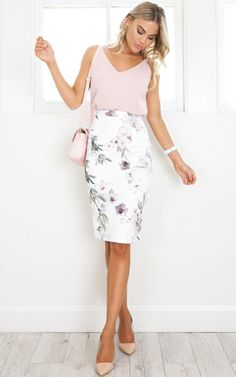 Claim It Back Skirt In White Floral Produced showpo, showpo skirt, white, white skirt, skirt Casual Work Outfits, Professional Outfits, Work Attire, Classy Outfits, Casual Attire, White Skirt Outfits, Pencil Skirt Outfits, Pencil Dresses, Business Attire