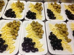 Нарезка Appetizers For Party, Appetizer Recipes, Food Carving, Good Food, Yummy Food, Food Garnishes, Food Displays, Food Decoration, Food Platters