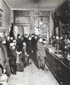 Berliner Destille, um 1905.