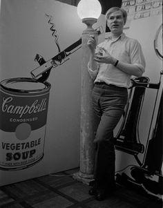 """6 Novembre 1962, Andy Warhol apre a New York la premiere della mostra delle lattine """"Campbell Soup"""""""