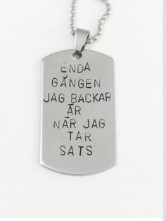 Kommer ihåg när alla hade det här citatet i sin insta bio xD Words Quotes, Wise Words, Sayings, Life Quotes, Swedish Quotes, Hand Stamped Jewelry, Cool Words, Inspire Me, Quotations