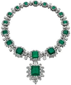 Bvlgari emerald necklace. Owned by Elizabeth Taylor
