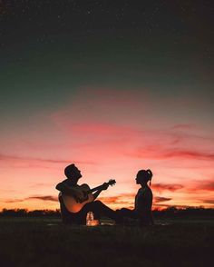 love couple play the guitar, find more Love Photos on LoveIMGs. LoveIMGs is a free Images Pinboard for people to share love images. Photo Couple, Love Couple, Couple Goals, Couple Ideas, Night Couple, Best Couple, Couple Shoot, Cute Relationships, Relationship Goals