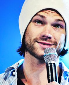 Jared and his pretty eyes.I SWEAR they change color like my sister's eyes haha Jensen Ackles, Jared And Jensen, Just Jared, Jared Padalecki Supernatural, Supernatural Tumblr, Supernatural Convention, Mark Sheppard, Sam Winchester, Winchester Brothers