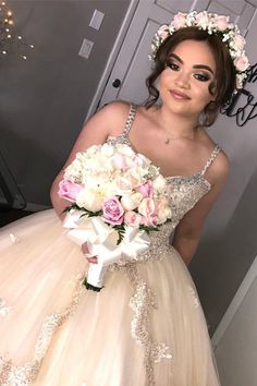 Maquillage et cheveux Butterfly Quinceanera – Hairstyles Theme – Quinceanera 2020 Robes Quinceanera, Quinceanera Planning, Quinceanera Decorations, Quinceanera Ideas, Champagne Quinceanera Dresses, Quince Dresses, 15 Dresses, Wedding Dresses, Quince Hairstyles