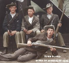 Photo Troops of the Kimberley Town Guard This could be a staged photo as the three boys at the back have ammunition. Pith Helmet, Colorized Photos, Three Boys, Military Diorama, Modern Warfare, African History, Special Forces, Military History, Writing A Book