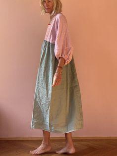 Skirt Outfits, Cool Outfits, Teacher Wear, Yellow Midi Dress, Kimono Design, Butterfly Dress, Young Designers, Linen Dresses, Fashion Studio