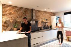 Kitchen Dining, Kitchen Cabinets, Dining Room, New York Loft, Masterchef, Loft Style, Luxury Kitchens, Bungalow, New Homes