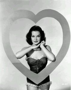 Detalles en el blog: www.olfatovioleta.blogs.elle.es Maquillaje para San Valentín