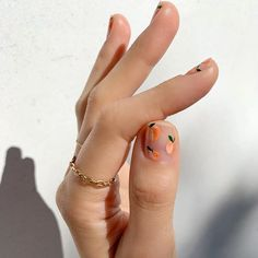 collection / delicate gold chain ring Kiss my peach! Hand painted peaches using new Cute Nail Art, Cute Nails, Pretty Nails, Nails Inc, Fabulous Nails, Perfect Nails, Hair And Nails, My Nails, Sephora