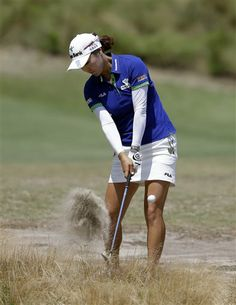 So Yeon Ryu, of South Korea, hits from a waste area on the 12th hole during the first round of the U.S. Women's Open golf tournament in Pinehurst, N.C., Thursday, June 19, 2014. (AP Photo/Bob Leverone) ▼19Jun2014AP|Lewis holds 1-shot lead over Wie in Women's Open http://bigstory.ap.org/article/lewis-takes-early-lead-pinehurst-67 #US_Womens_Open_Championship_2014 #유소연 #柳簫然 #Ryu_So_yeon #柳箫然