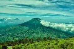 Pemandangan Mempesona Di Puncak Gunung Sindoro | Pecinta Alam