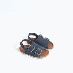 The most stylish toddler shoes you need now. Spring Sandals, Baby Sandals, Shoes Sandals, Leather Baby Shoes, Leather Sandals, Natural Clothing, Baby Boy Fashion, Kids Fashion, Summer Boy