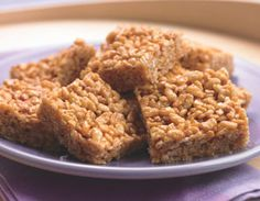 Biggest Loser Recipes - Crunchy Peanut Butter Squares made with crispy brown rice cereal, coconut sugar, agave nectar, and peanut butter. Gluten free!