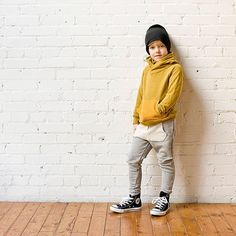 Not so basics cowl hoody paired with our skinny sweats, slouchy beanie and classic chucks. #liveinminimioche