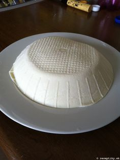 recept na domaci cerstvy syr 1 Plates, Cheese, Tableware, Licence Plates, Plate, Dinnerware, Dishes, Dish, Place Settings