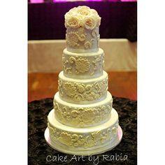 nice vancouver wedding #cakeartbyrabia #weddingcake #ivoryweddingcake by @cakeartbyrabia  #vancouverwedding #vancouverweddingcake #vancouverwedding