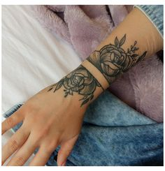 Arm Wrap Tattoo, Wrist Band Tattoo, Rose Tattoos On Wrist, Small Wrist Tattoos, Up Tattoos, Hand Tattoos, Tattoos For Scars, Tribal Wrist Tattoos, Scars Tattoo Cover Up