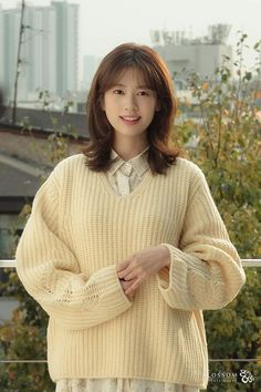 Playful Kiss, Jung So Min, Young Actresses, Lee Joon, Korean Artist, Kdrama, Girls Dresses, Turtle Neck, Hair Styles