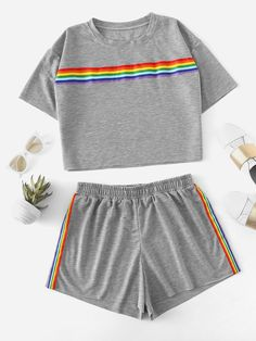 Plus Drop Shoulder Striped Tape Tee With Shorts -SheIn(Sheinside) Cute Lazy Outfits, Kids Outfits Girls, Sporty Outfits, Teenager Outfits, Mode Outfits, Trendy Outfits, Girls Pjs, Pajama Outfits, Crop Top Outfits