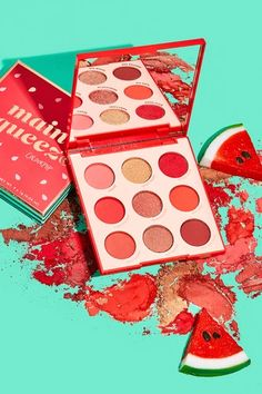 Create any makeup look using an eye shadow palette. Red Makeup, Cute Makeup, Makeup Kit, Skin Makeup, Eyeshadow Makeup, Make Up Palette, Sephora Makeup, Makeup Cosmetics, Makeup Brands