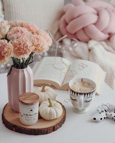 Coffee And Books, Coffee Love, Coffee Break, Rose Gold Aesthetic, Autumn Aesthetic, Diy Pumpkin, Pumpkin Carving, Pumpkin Painting, No Carve Pumpkin Decorating