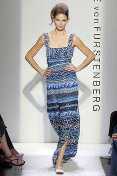 See the complete Diane von Furstenberg Spring 2006 Ready-to-Wear collection.
