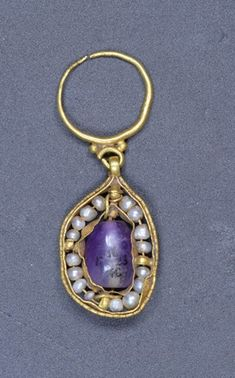 Early Byzantine Earring; gold; with pearl and amethyst. 6thC-7thC, Tharros