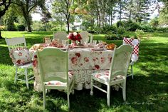 Aiken House & Gardens ~ Garden lunch