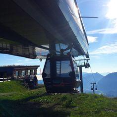 Perfektes Wanderwetter erwartet euch derzeit bei uns am Berg ☀️☀️#derhitzeentfliehen almsommer2018 #reuttenerseilbahnen #hahnenkammhöfen #wirbringendieweltnachoben #bergerleben #lechweg #bergfühlen #fußwellness #wellnesderbesonderenart #awesomeweather #natureperfection #mountainlover #hahnenkamm #erlebnisarenaHahnenkamm #alpen #visittirol #austria #Höfen #allgäu #reutteurlaub #naturparkregionreutte #vierHighlights #Bahnerleben #leitnerropeways #wemove Berg, Alps, Weather, Hiking