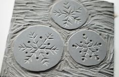 3 snowflakes cut from lino Linoleum Block Printing, Christmas Art, Christmas Ideas, Christmas Activities, Christmas Decorations, Xmas, Linoprint, Handmade Christmas Gifts, Holiday Crafts
