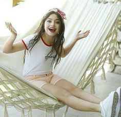 Novas fotos de Karol Sevilla❤ Disney Channel, Sofia Carson, Korean Couple, Son Luna, Dove Cameron, Girls Dpz, Sabrina Carpenter, Favorite Tv Shows, Diva