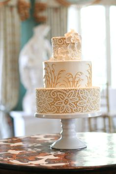 Real Charleston Weddings featured on The Wedding Row. Photograph by @Jennifer Bearden Photography.